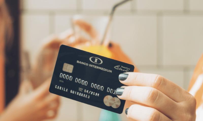 Cartão de crédito sem anuidade Intermedium 14